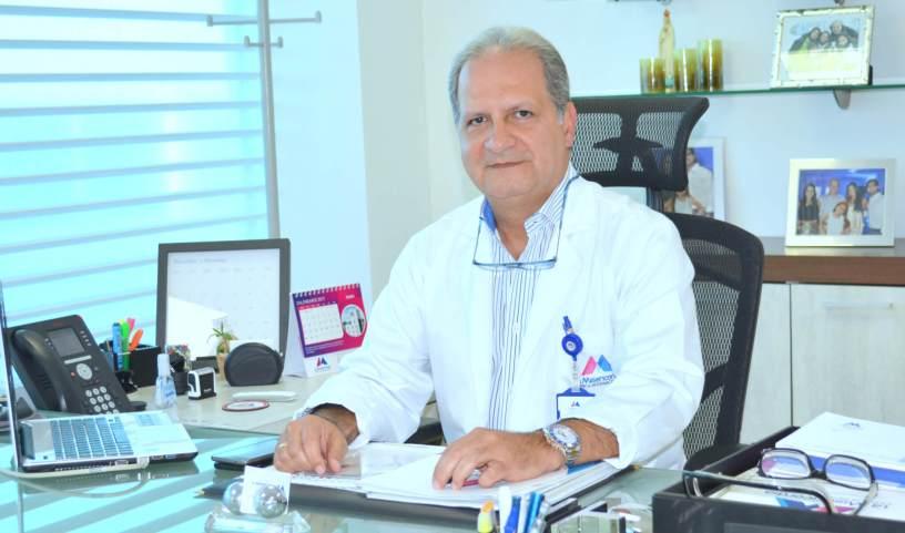 Dieb Maloof Cusse - Neurocirujano
